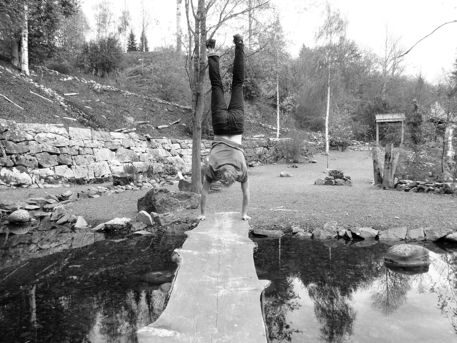 Park handstand