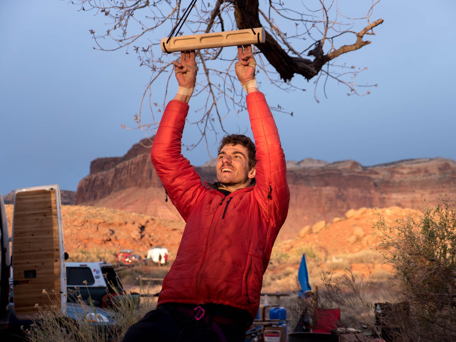 alex hanging