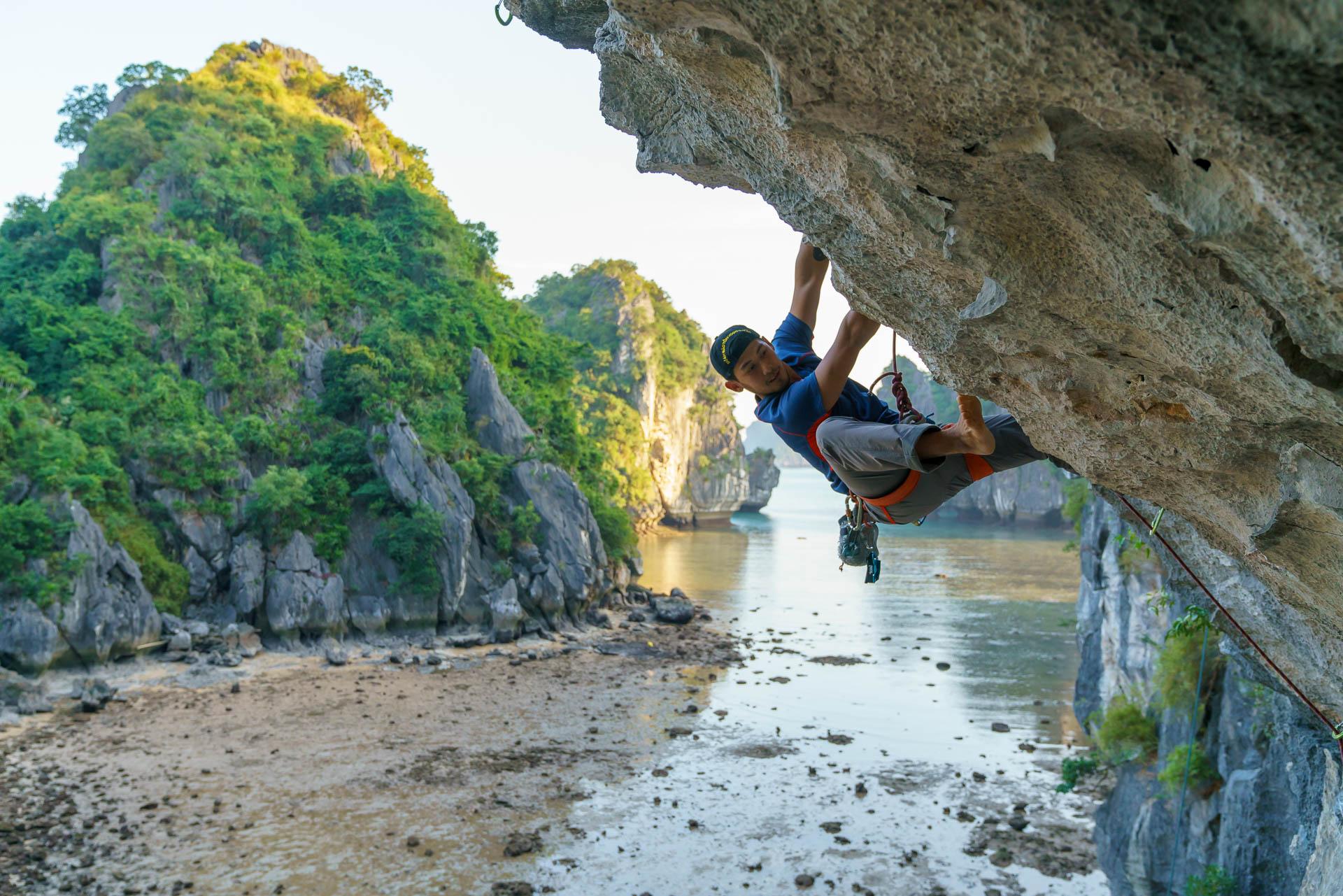 nick barefoot climbing